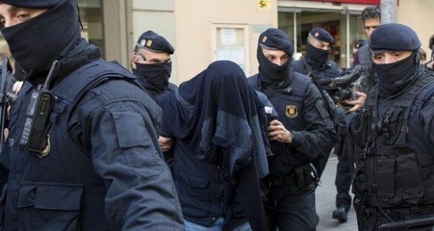 الشرطة الإسبانية تلقي القبض على مواطن مغربي بتهمة الإشادة بالإرهاب