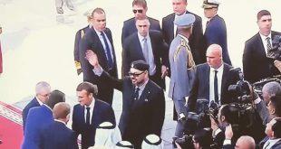 """جلالة الملك والرئيس الفرنسي يدشنان القطار فائق السرعة """"البراق"""" الرابط بين طنجة والدار البيضاء"""