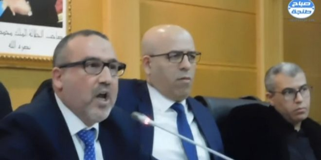 عمدة طنجة متهم بالتواطؤ مع _الحاج _ لسطو حقوق الموظف الجماعي