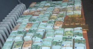 وجدة: حجز 20 كيلوغراما من صفائح الذهب وأزيد من مليوني أورو